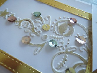 couture-creations-bauble-tree-embossing-nov16-10