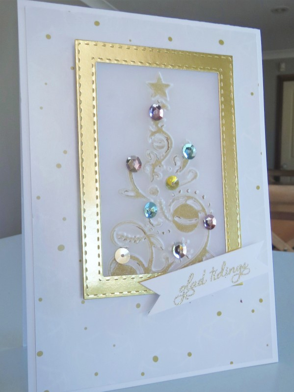 couture-creations-bauble-tree-embossing-nov16-5