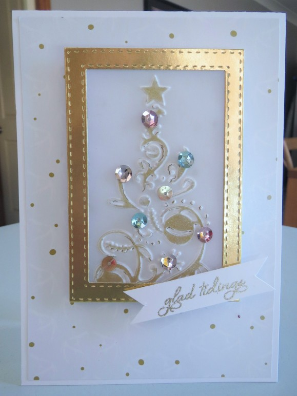 couture-creations-bauble-tree-embossing-nov16-6