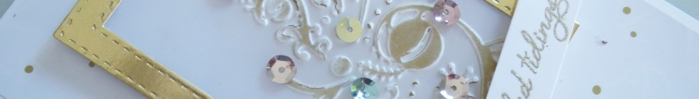 couture-creations-bauble-tree-embossing-nov16-9